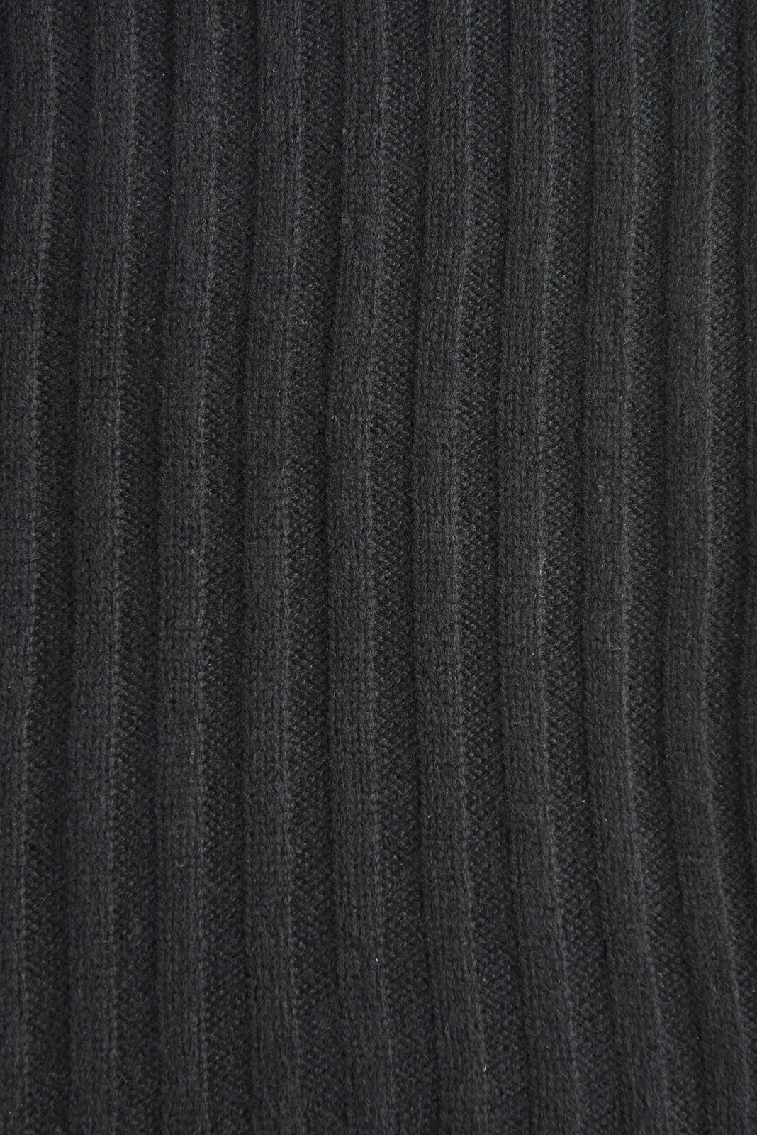 Шарф из кашемира черного цвета