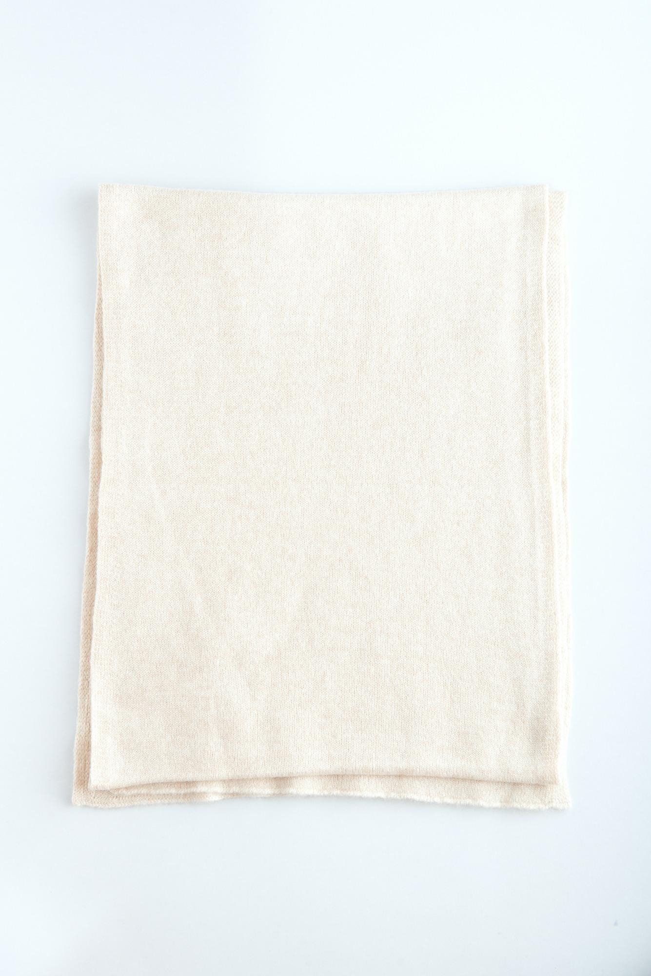 Светло-бежевый шарф из кашемира